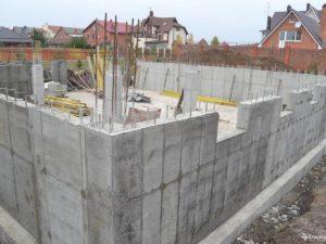 Стены из бетона